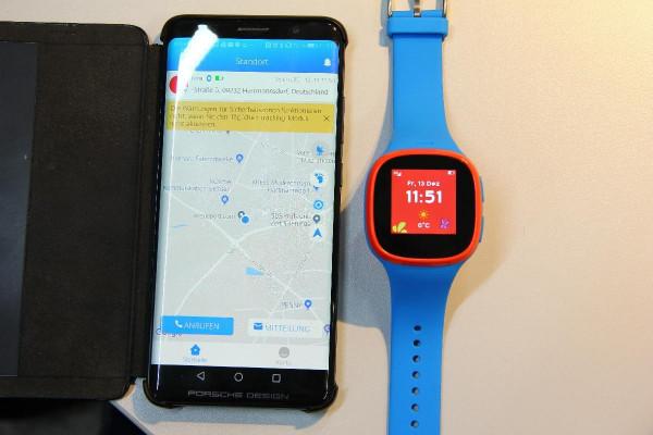 Alcatel Family Watch MT 30 blau Smartwatch GPS Tracker Kinderuhr Nano SIM
